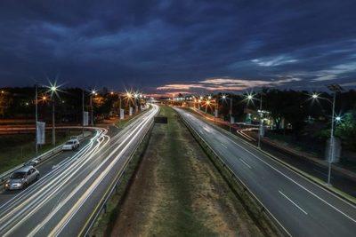 Sistema de iluminación solar fue inaugurado en autopista Ñu Guasú