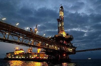 Precio del precio del petróleo se desploma tras falta de decisión de la OPEP