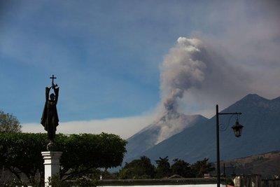 Guatemala: Volcán de Fuego mantiene actividad