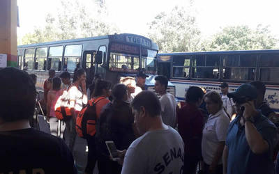 Se intensifica flujo de pasajeros con destino a Caacupé