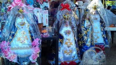 Bidones e imágenes de la Virgen, los más requeridos
