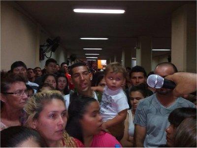 Cientos de fieles están sin ómnibus en la Terminal de Asunción
