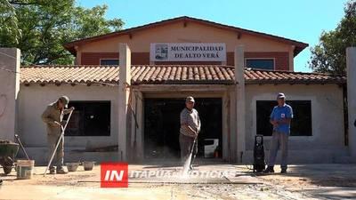 AVANZAN OBRAS DE REMODELACIÓN DEL PALACIO MUNICIPAL DE ALTO VERÁ.