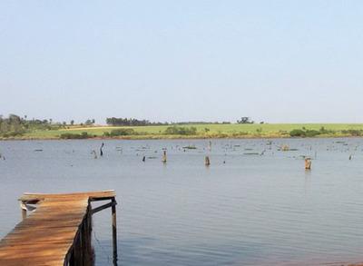 Hombre se ahoga en aguas del lago Acaray