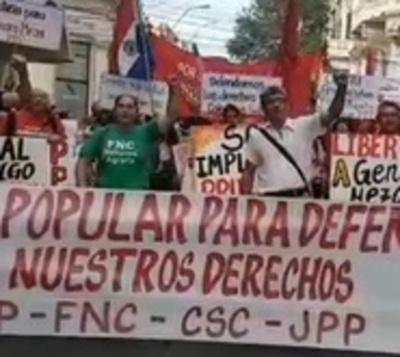 Organizaciones políticas y campesinas marchan por los Derechos Humanos