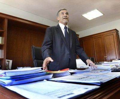 Ministro Candia reconoce materia pendiente con DDHH