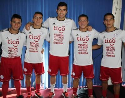 Albirroja Sub 20 se entrena con juveniles de Olimpia