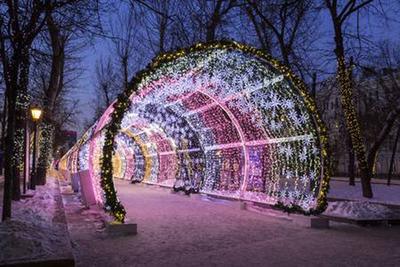 Preparan novedoso túnel de luces navideñas en Presidente Franco