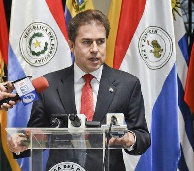 Castiglioni defiende pacto migratorio