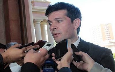Senador ratifica que no corresponde a comisión investigar caso Messer