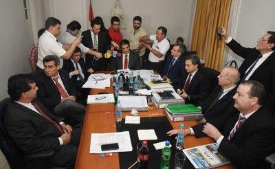 Magistrados reclaman indefinición sobre terna