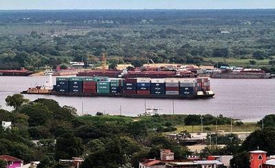 HOY /  Economía: 15 años de hacer  bien la tarea ponen a Paraguay   a puerta de las 'mejores ligas'