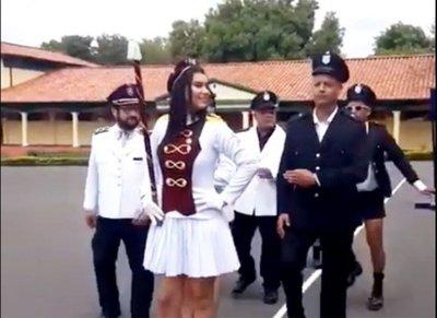 Escándalo en FF.AA. por parodia filmada en un cuartel
