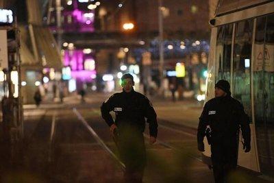 Dos muertos y 11 heridos en tiroteo en Francia