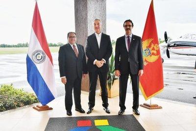 Presidente de Montenegro visita central de Itaipu