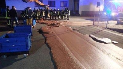 Río de chocolate inundó una ciudad