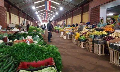 Feria permanente con atención especial en días festivos