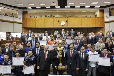 Senado homenajea a campeones del fútbol de salón