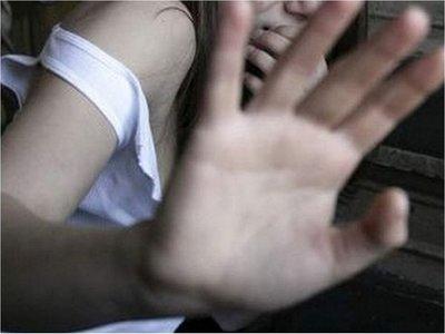 Adolescente denuncia a su padre por coacción sexual y violación