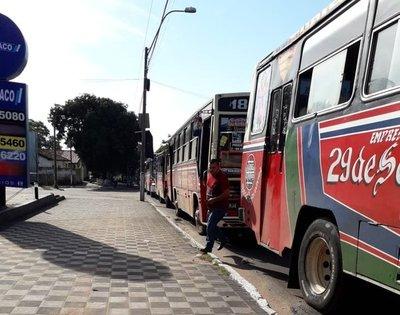 "Choferes de línea 18 rumbo a Villarrica, ""decorarán"" domicilio de viceministro"