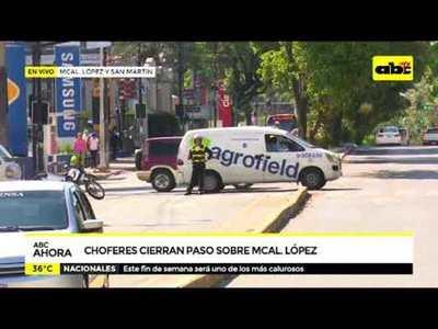 Choferes cierran paso sobre Mariscal López