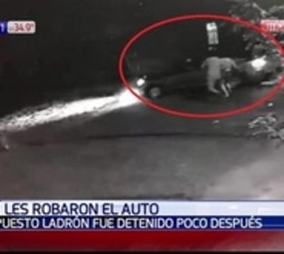 Le robaron el auto mientras intentaba entrar a su casa