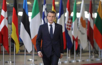 """Debemos """"clarificar"""", pero """"no renegociar"""" el Brexit, dice Macron"""