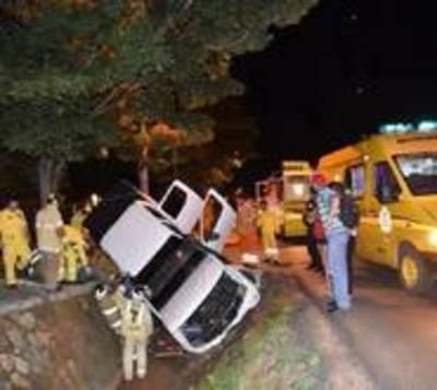 Camioneta fue a parar a una zanja en Capiatá