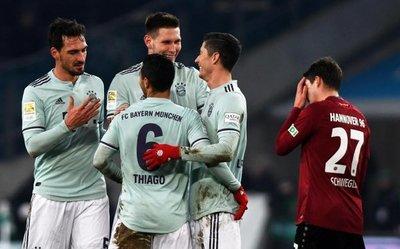 Bayern golea y empata a puntos con el segundo