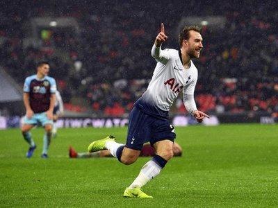 Eriksen salva al Tottenham, que mantiene el pulso en la Premier