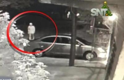 Delincuente aprovecha descuido y roba auto