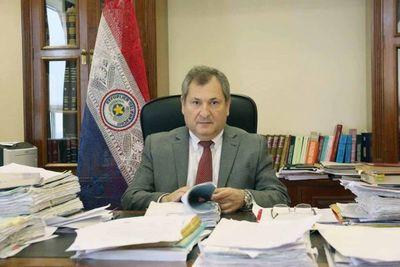 Ministro Jiménez Rolón en apertura de posgrado en España