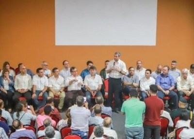 """Abdo se compromete a """"cumplir hoja de ruta"""" con campesinos e indígenas"""