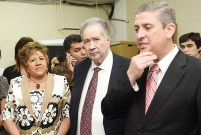 Ministros del TSJE fueron salvados del juicio político por los partidos políticos, afirman