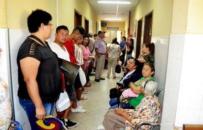 Carencia en insumos y medicinas es constante en el Hospital de Caacupé