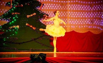 Destacada bailarina esteña