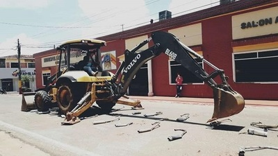 Uniformados destruyen roncadores de motos en Horqueta