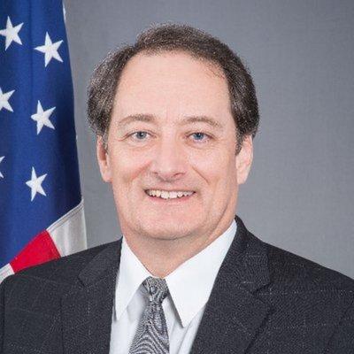 Embajador no puede dar datos de visa de HC
