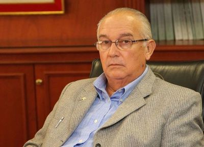 Juez cita al ex ministro Bajac