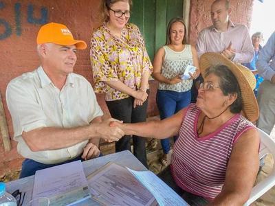 MOPC indemniza a familias afectadas por obras de la Costanera II