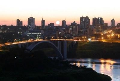 Nuevo puente con Brasil permitirá crecimiento de la maquila y del turismo de compras