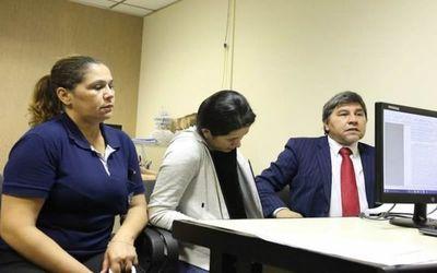 """Juez ordena arresto de esposa de """"Cucho"""" Cabaña"""