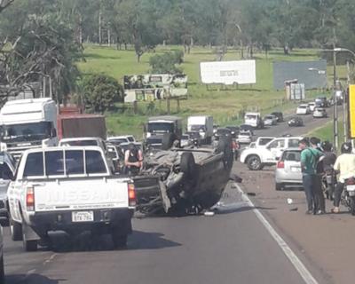 Accidente sobre la Ruta II deja seis heridos