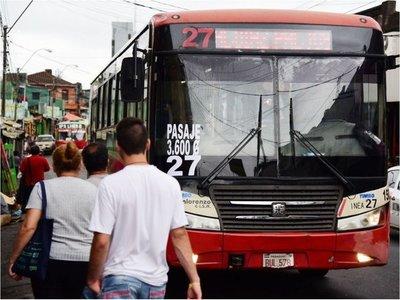 Gobierno garantiza buses en Año Nuevo, pese a las amenazas