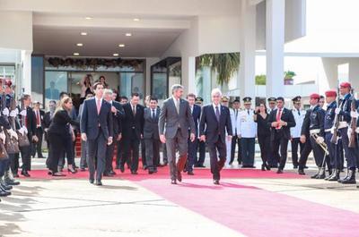 Mandatario viajó al Brasil para asunción al mando de Jair Bolsonaro