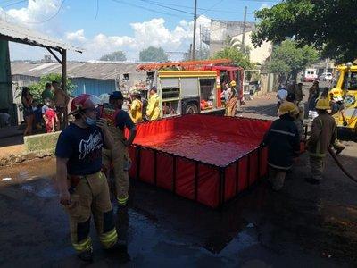 Incendio en pastizal pone en jaque a barrio San Agustín
