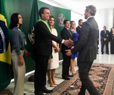 Mario Abdo, con el desafío de concretar 2 puentes con Brasil