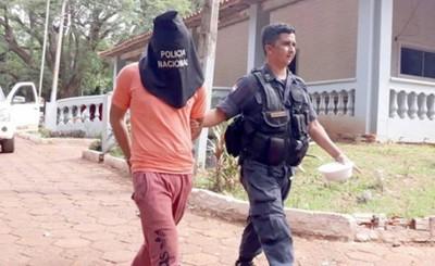 """""""Hombre"""" detenido frente a comisaría por robo"""