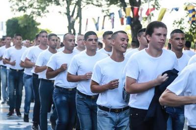 Casi un centenar de jóvenes inician sus actividades del CIMEFOR en la Armada