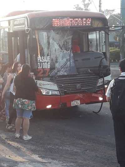 Choque de buses en Capiatá no dejó heridos